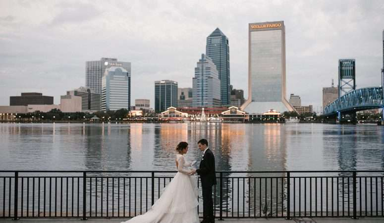 Kayla + Carl | The River Club | Jacksonville Wedding Planner | The Eventful Gals