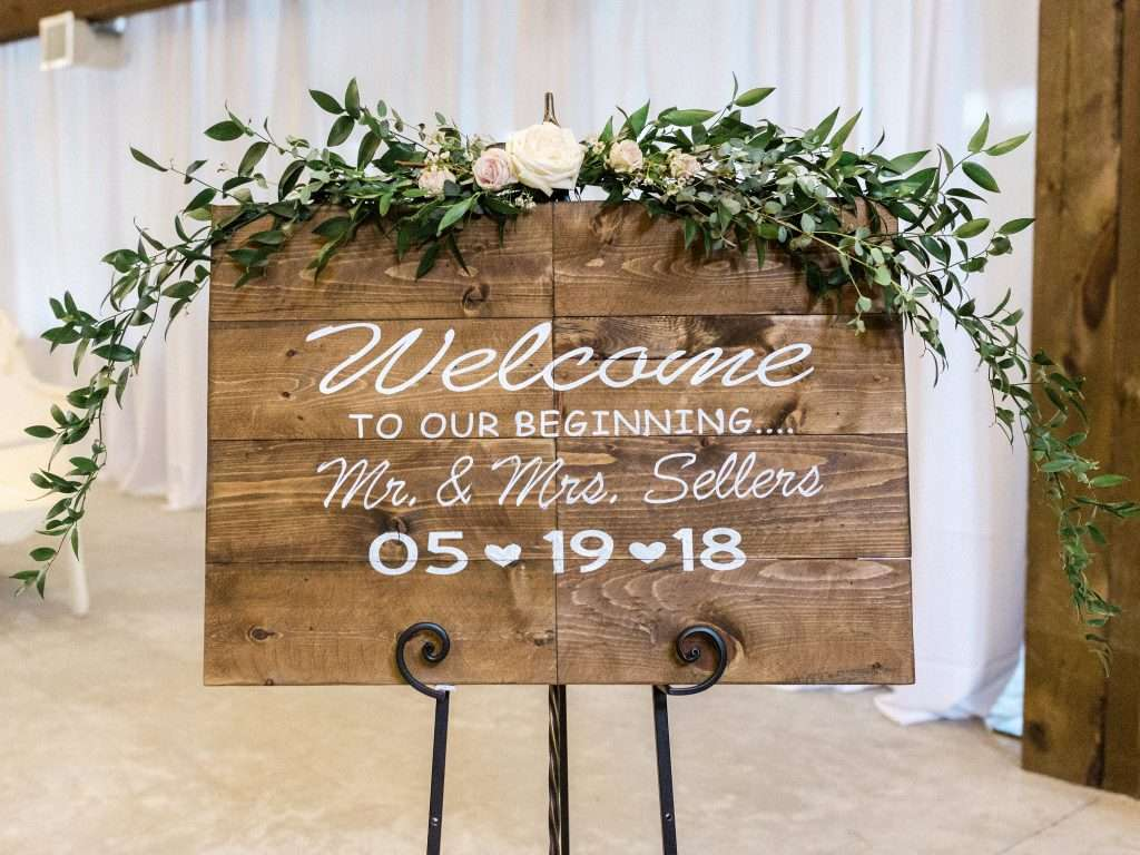 Welcome sign at Chandler oaks barn